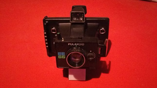 Polaroid ee 66 land camera