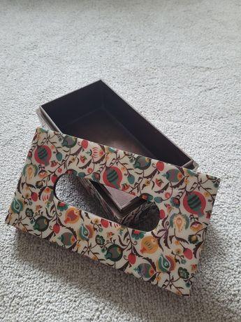 Piękne pudełko na chusteczki lub bibeloty