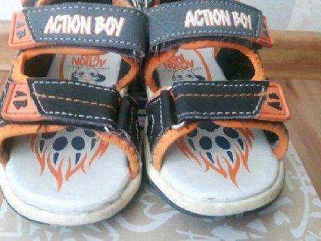 Sandałki action boy świecące