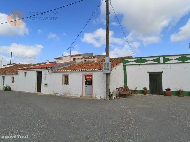 Moradia com terreno para recuperar em Pereiro - Alcoutim ...