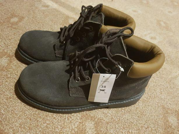 Продам новые ботинки замш/мех 38р., 24 см стелька