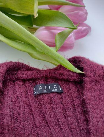 Bordowy sweter z dekoltem V