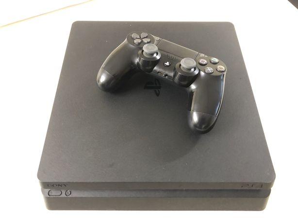 Konsola PS4 Slim
