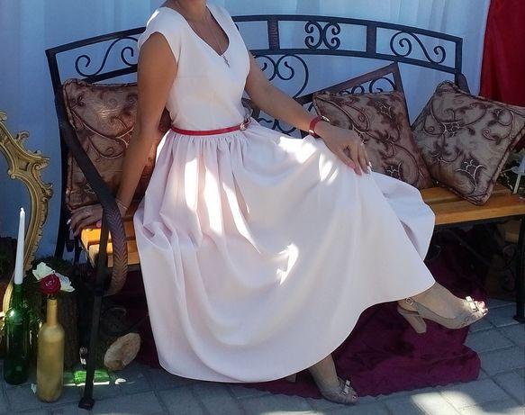 Жіноче нарядне плаття(2види)