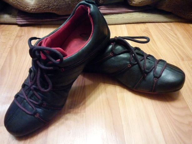 Английские оригинальные кроссовки Кларкс(clarks) 39-40 размер