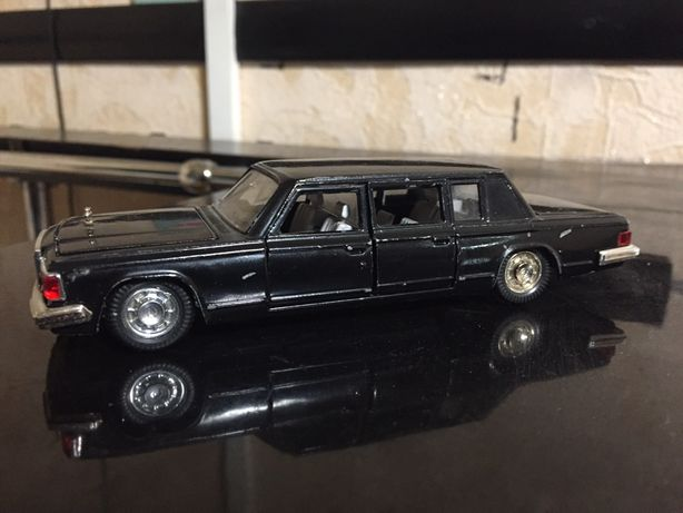 Машина Зил 115