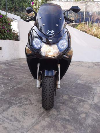 Moto automática  daelim s3