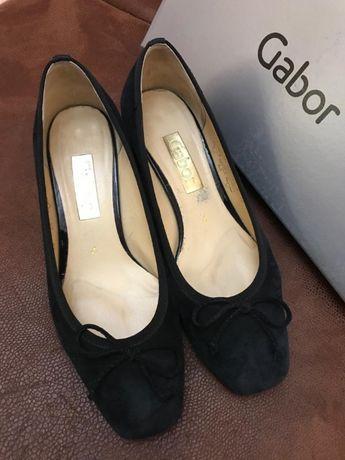 Женские туфли из натуральной замши бренда Gabor