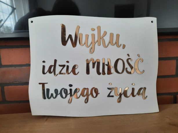 Tabliczka Wujku idzie miłość Twojego życia biała złoty napis
