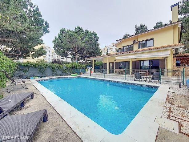 Moradia Divinal T6 todos os quartos em suite com Piscina e Jardim  + T