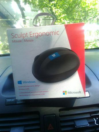 Безпроводная мышь Microsoft Sculpt Ergonomic