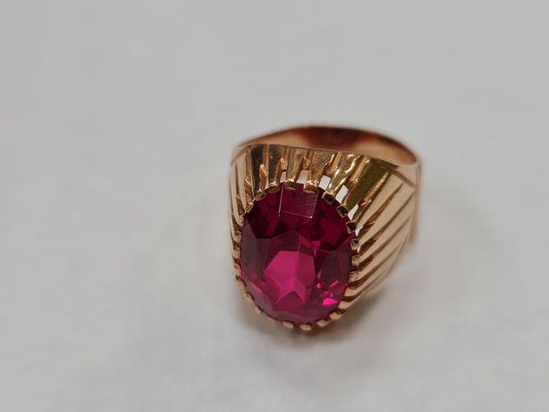 Piękny złoty pierścionek/ sygnet/ Radzieckie 583/ 10.43 gram/ R21
