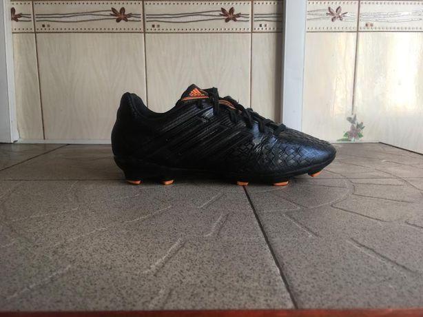 Чорні копки бутси футзалки сороконожки predator шиповки adidas
