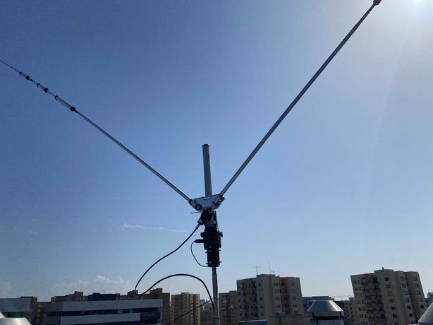 Antena HF COMET H-422 - Bandas: 7/14/21/28 Mhz - 1 kW - Radioamador