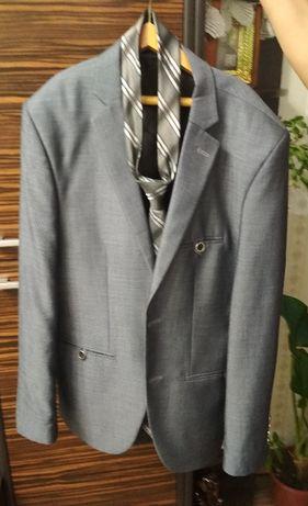 костюм з рубашкою