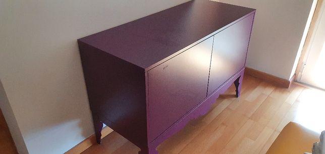 Aparador IKEA trollsta cor roxa