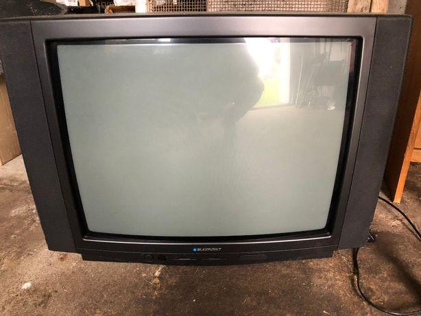 Oddam telewizory
