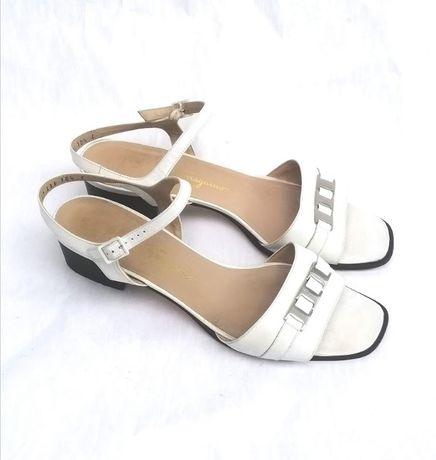 Босоножки Salvatore Ferragamo оригинал белые кожаные 41 размер