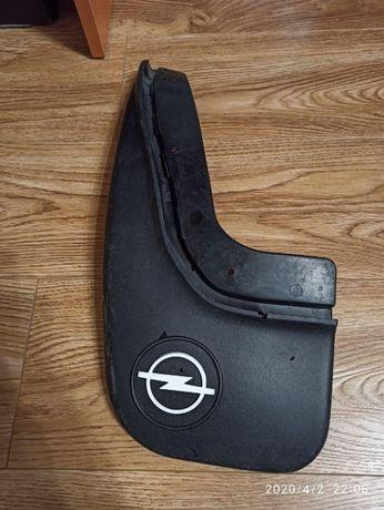 брызговик оригинал Opel Astra F 92-98 год задний левый