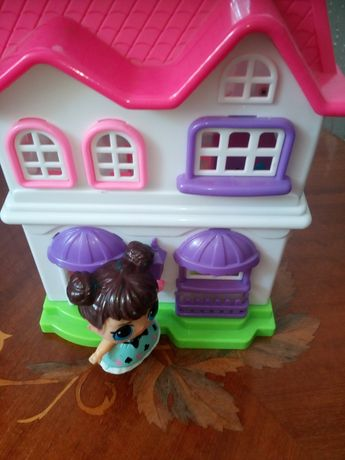 Детский домик для кукол из киндеров