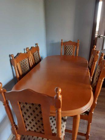 Stół drewniany+ 6 krzeseł w bardzo dobrym stanie!