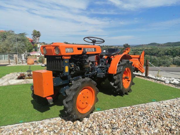 Tractor Kubota b6000 reservado