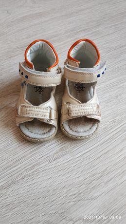 Дитячі босоніжки (сандалі)