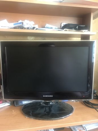 Телевизор Самсунг UE19C4000