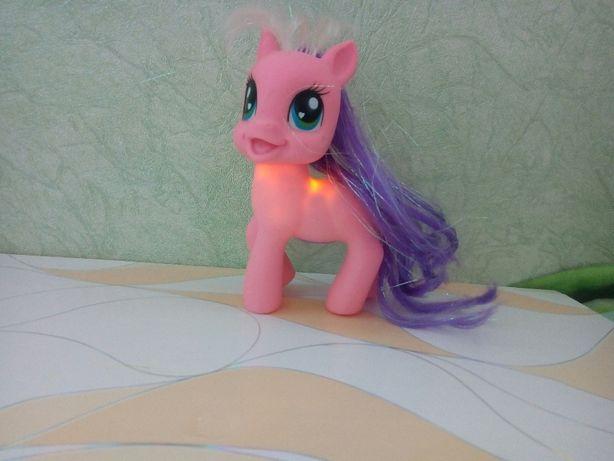 My little pony светится