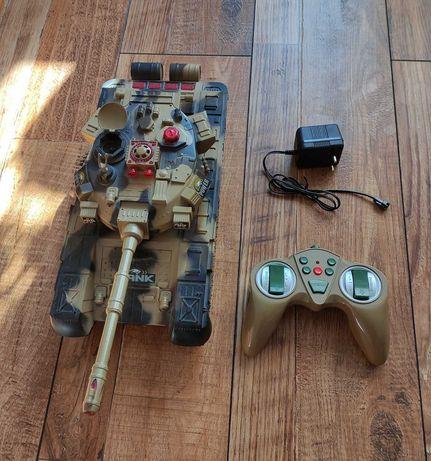 Продам танк на радиоуправлении