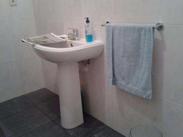 lavatório com culuna