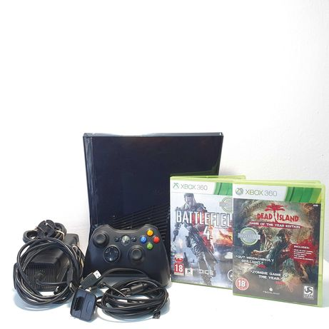 Konsola Xbox 360 250GB, dwie gry, pad, okablowanie