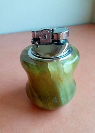 Zapalniczka z zielonego onyksu