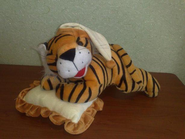 Продам. Мягкая игрушка. Тигрёнок с подушкой.