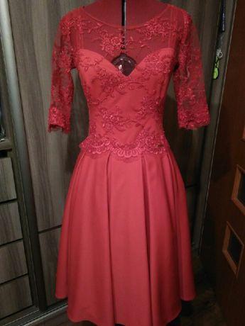 Sukienka z koronką rozkloszowana na wesele i inne uroczystości rozm. S