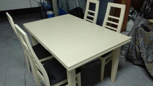 Mesa de sala branca