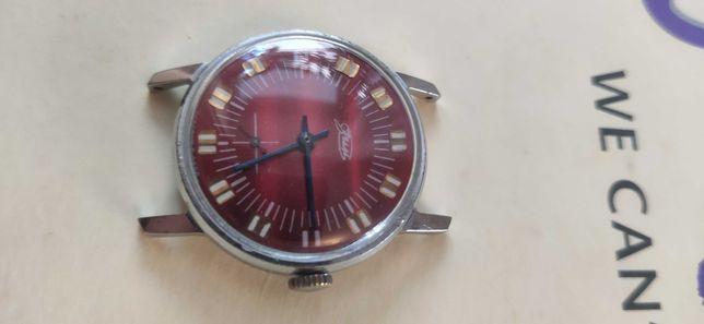 Zegarek Lucz z czerwoną tarcza