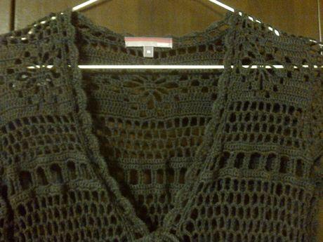 kardigan o szydełkowym splocie, sweterek ażurowy długi.