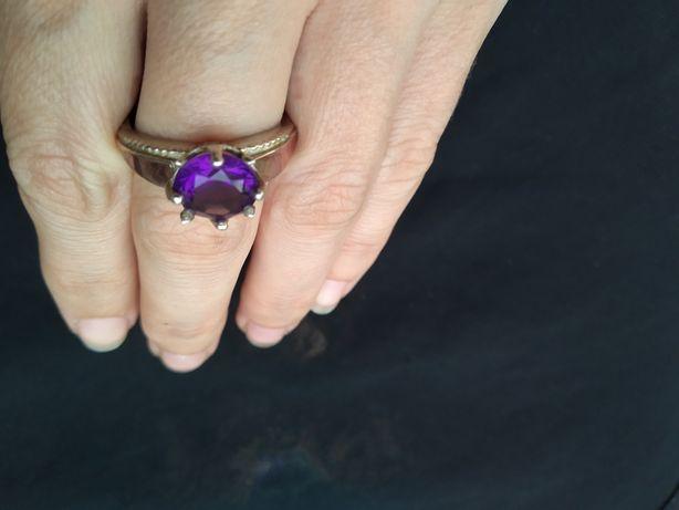Кольцо серебро, серебряное кольцо с золотыми пластинами, аметист,