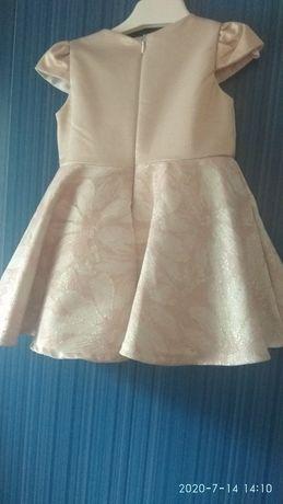 Сукня для маленької леді
