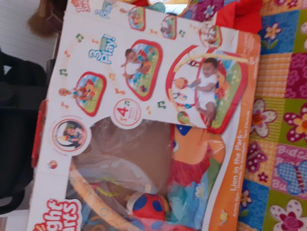 Mata dla niemowląt do zabawy