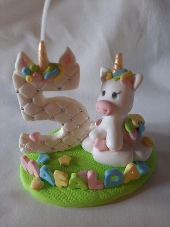 Topos de bolo com vela