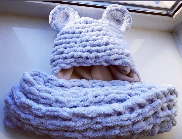 Комплект шапка и шарф из Alize puffy