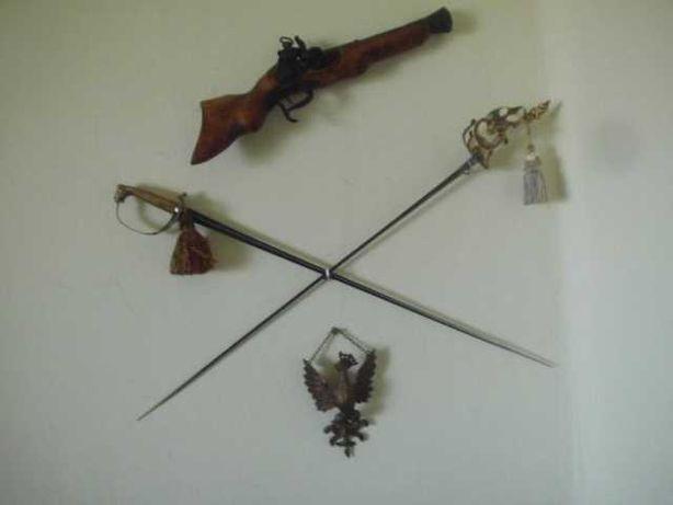 Zamienię 2 szpady,orzeł z mosiądzu ,replika pistoletu Garłacz