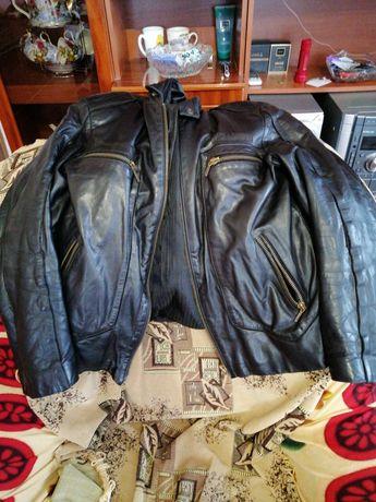 Куртка кожаная, в отличном состоянии