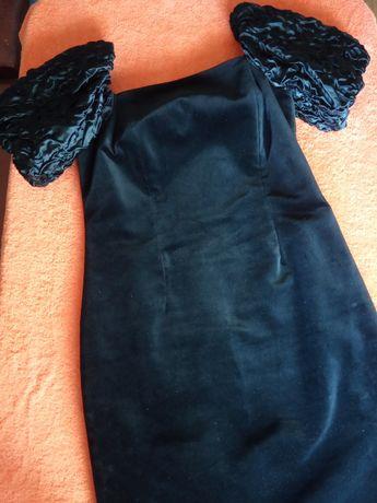Нарядное платье велюр 48р чёрное