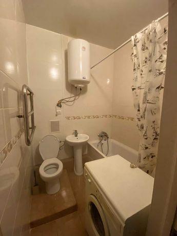 Продам двухкомнатную квартиру в центре!