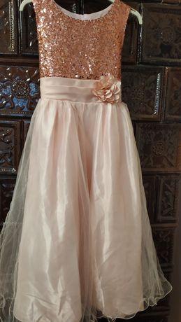 Плаття  святкове 132 см