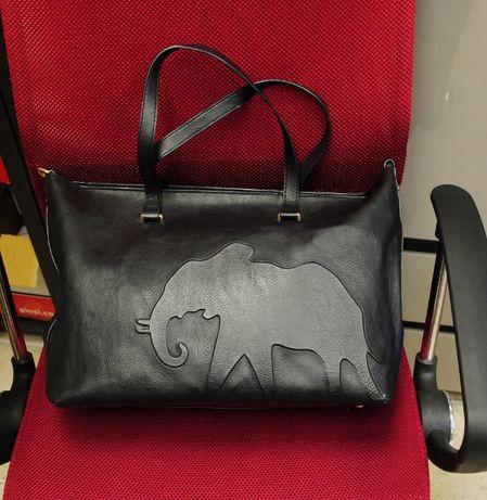 Torebka czarna PARFOIS z motywem słonia