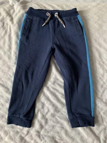 Cool Club ocieplane spodnie dresowe rozm. 104 Smyk